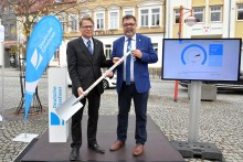 Glasfaserausbau im Landkreis Leipzig beschleunigt:  Thallwitz am Netz – Brandis startet Ausbau