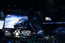 A Ford GT drámai hatású belépője a 2015-ös E3 játékkonferencián; Az autó a Forza Motorsport 6 exkluzív sztárja