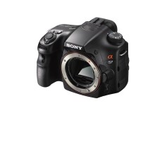 Fotocamera α57 di Sony con tecnologia Translucent: velocità di scatto a 12 fps alla portata di tutti