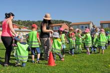 36.000 barn går baklänges på torsdag 7 maj