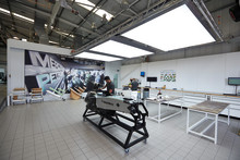 Behagligt arbetsklimat i MERCEDES AMG PETRONAS lackeringsverkstad