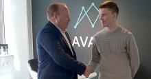 Formula 3 -kuljettaja Simo Laaksonen ja AVARN Security jatkavat yhteistyötä