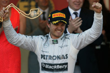 Rosberg vinner actionfyllt Monacos GP