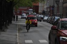 Halvparten av syklistene føler seg utrygge på grunn av biler