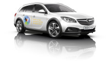 """Opel bidrar till """"Världens Barn"""" med närmare 1 miljon kronor"""