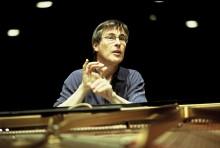 Robert Schumann i centrum när Gävle Symfoniorkester gästas av dirigenten och pianisten Christian Zacharias