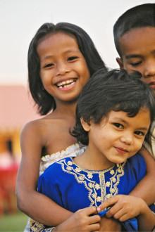 Roger Akelius donerar 200 miljoner till SOS Barnbyar