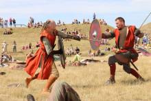 To danske vikingekrigere på togt til Kina