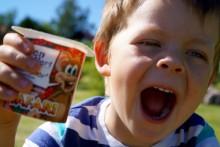 La barna få yoghurt