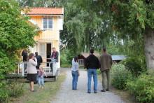 Tolv  Öppna Trädgårdar på Mälaröarna och i Västerort den 9-10 juni