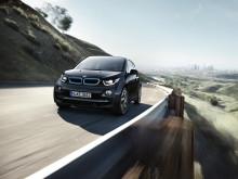 Ny milepæl: Nå ruller det over 10.000 elektriske BMW'er på norske veier