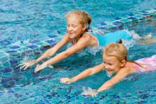 Endast 56 % av alla barn i åldern 4-17 år är simkunniga