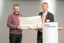 Günsel Fördertechnik und Fahrzeugbau GmbH feiert Firmenjubiläum: Bärenherz erhält großzügige Spende