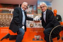 Schenkung an die sporthistorische Ausstellung des Stadtgeschichtlichen Museums