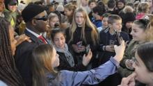 600 skolbarn möter barnrättshjältar i Stockholm