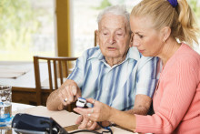 Pressinbjudan: Ge äldre en bra digital hemmiljö