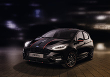 Látványos, kontrasztos színkombinációkat ígérnek Ford Fiesta ST-Line új Red Edition és Black Edition változatai