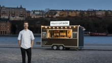 Paul Svenssons gatukök öppnar äntligen upp för servering  – sex månader efter att beställningarna lagts
