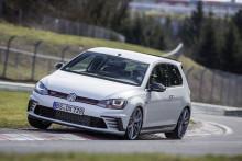 Fartfylld första budgivning av Golf GTI Clubsport S – överskottet går till Bris