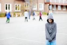 Fyra av tio barn berättar inte för vuxna om mobbning