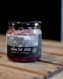 """Årets Sill 2012 """"Tranbär och citrontimjan"""" – säljstart på Nationaldagen den 6 juni"""