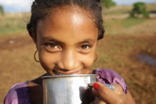 Kiviks Musteri bidrar till WaterAids arbete genom kampanjen Blanda&Ge