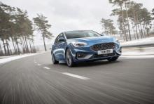 Teljesítmény a versenypályán, örömautózás a vidéki utakon, használati érték a mindennapi közlekedésben: megérkezett a vadonatúj Ford Focus ST