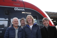"""Hysén, Strömberg, Schiller och Holm –  Fyra gånger Glenn döpte MTR Expresståg till """"Glenn"""""""