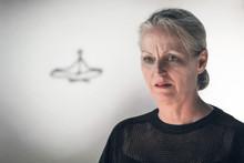 Konstnären Efva Lilja gästar Jönköping och hyllas med danskroki och författarsamtal