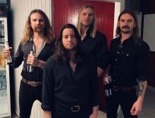 Night på Turné med Hällas - släpper ny Singel