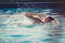 Gratis simundervisning i sommar