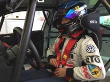 Simon laddad inför helgens race på EuroSpeedway, Lausitzring i Tyskland