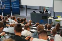 """Schülerinnen und Schüler beim Fachtag """"Technik und Naturwissenschaften"""""""