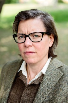 Två världars kamp – intervju med Lena Andersson