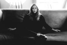 Jennie Löfgren släpper sin andra neo-klassiska EP