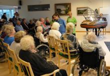 Julkonsert och invigning av PH-flygel på Förenade Care Segevångsgården