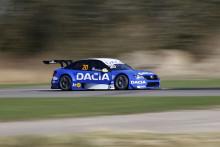 Lyckat STCC-test för Dacia Dealer Team