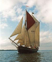 Skolsegelfartyget Constantia seglar  åter i Oxelösunds skärgård i sommar