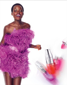 Valmistaudu rakastumaan sydänjuuriasi myöten... Lancôme esittelee Juicy Shaker huuliöljyn