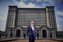 A Ford megvásárolta az ikonikus Michigan Központi Pályaudvar épültét, hogy az legyen majd a cég intelligens, összekapcsolt jövőjén dolgozó New Detroit Campus főépülete