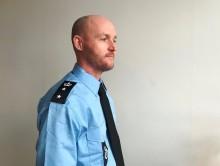 Mere tydelig uniformering i Kriminalforsorgen