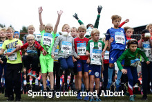 Albert vill få unga i rörelse – bekostar barn och ungdomars anmälningsavgift under Lidingöloppet