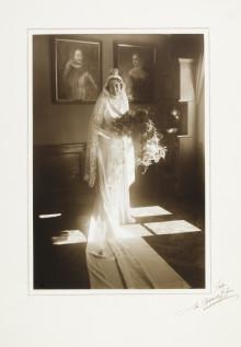 Drömmar i vitt - Hallwylska brudar och 15 år av bröllopsmode