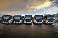 Upplands Motor servar 50 nya biogasdrivna lastbilar för sophämtning i Stockholm
