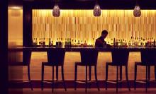 En sipp genom Raffles klassiska barer