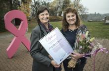 Driftig och nytänkande kirurg i Borås får Bröstcancer-Sveriges finaste utmärkelse