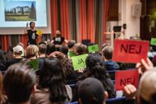 Delaktighet och engagemang när Sjölins elever träffar Amnesty