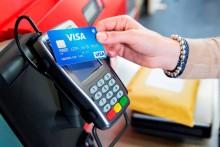 Peste jumătate dintre plățile cu carduri Visa în Europa sunt contactless