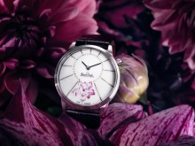 Time to relax: A stylish Rosenthal watch is the perfect Christmas gift