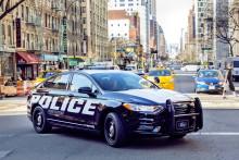 A Ford továbbra is globális vezető szerepre tör az elektromos hajtás terén: a márka megalkotta az első hibrid rendőrautóját
